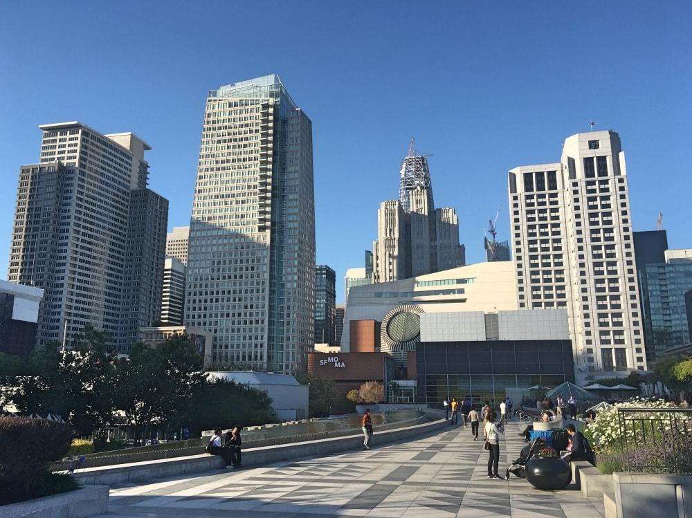 Widok na Muzeum Sztuki Współczesnej w SF